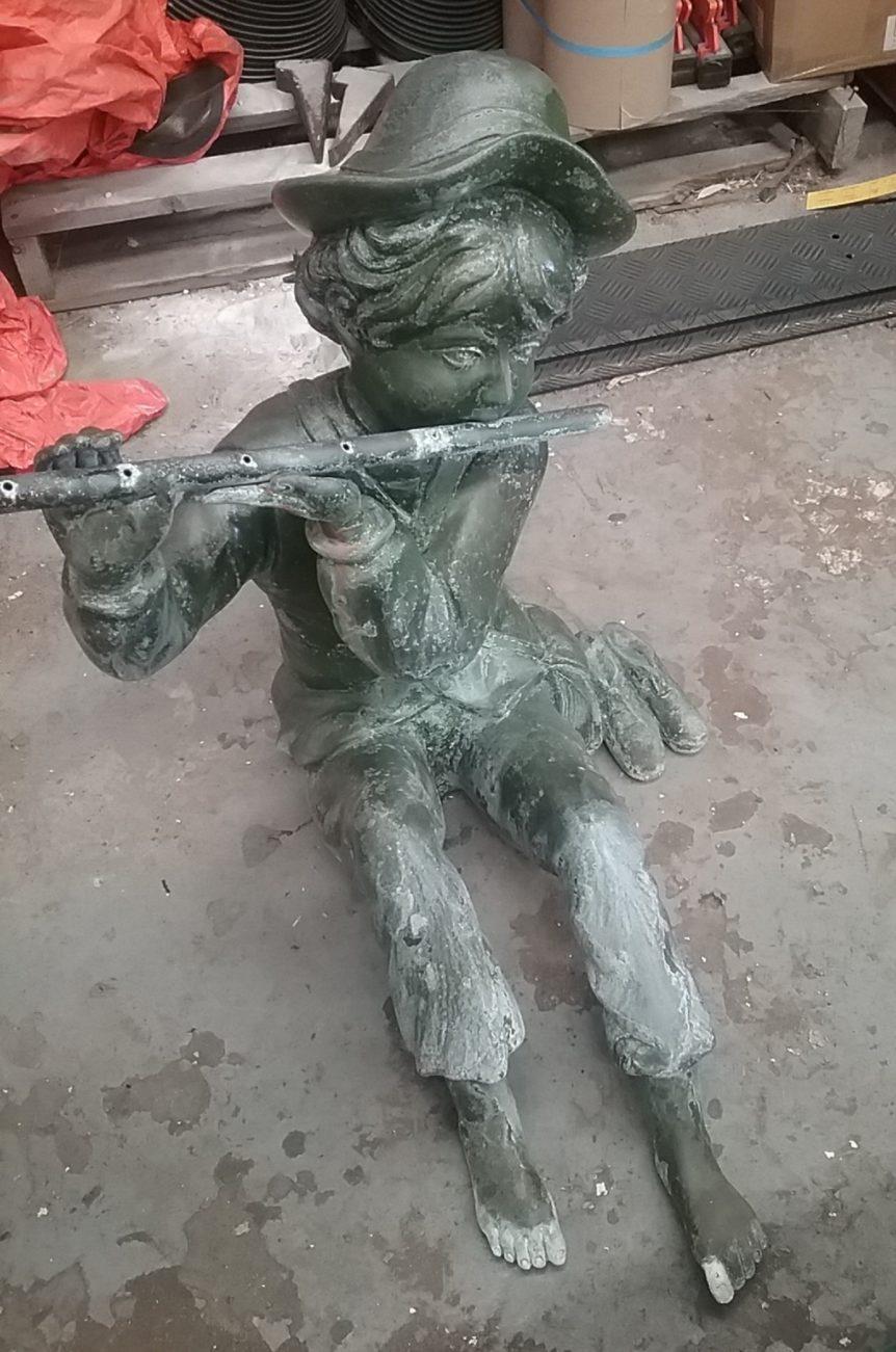 boy & pipe statue Rudi - before glass bead blasting